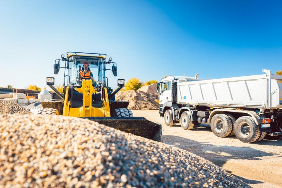 Stellenangebot für LKW-Fahrer oder Baumaschinisten in Brandenburg